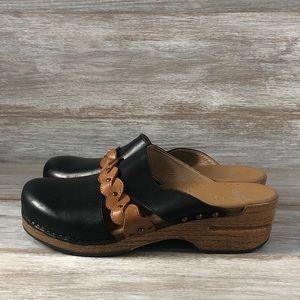 Dansko leather slip on clog sandals Eu 42